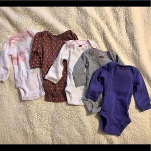 Newborn long sleeve onesies. EUC